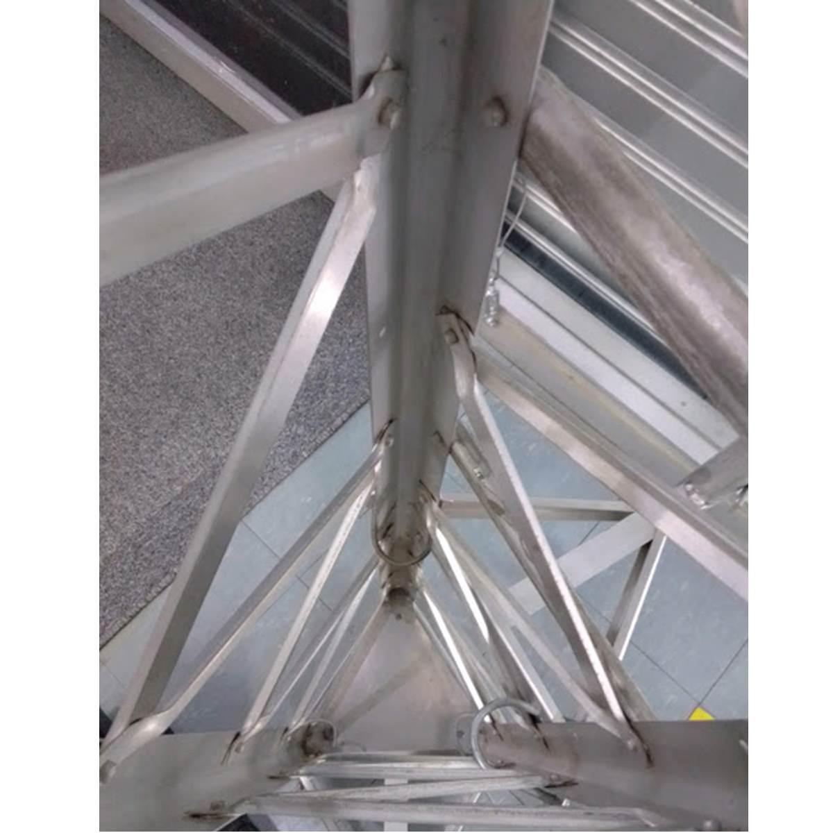 Tramo de torre ventada de aluminio